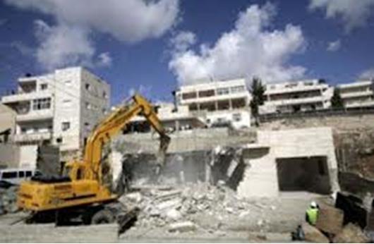 السلطات الإسرائيلية تهدم مساكن فلسطينيين بالقدس
