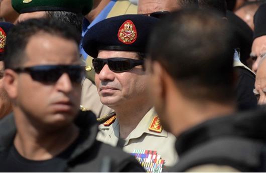 """""""السيسي"""": سأترشح إذا قرر الشعب وفوضني الجيش"""