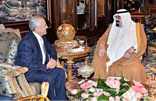 سليمان ينهي زيارة للسعودية يلتقي خلالها الحريري