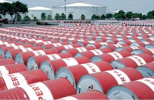 أمريكا ستتقدم السعودية في انتاج النفط عام 2016