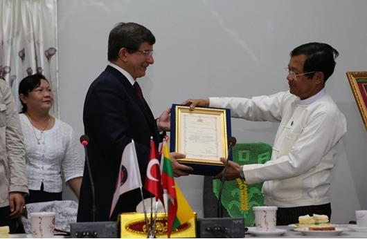أوغلو يؤكد استعداد بلاده لدعم ميانمار