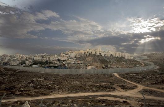 الاحتلال يصادر  740 دونما لمقدسيين