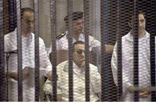 استئناف محاكمة مبارك بتهمة قتل المتظاهرين