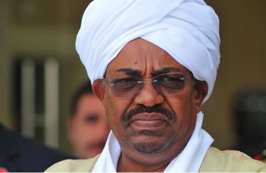 الرئاسة السودانية تنفي تنحي البشير عن منصبه