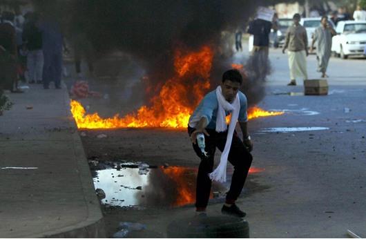 الحكومة الليبية: احتجاجات منشآت النفط ستغرق مدناً بالظلام