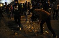 """مقتل شخص وجرح العشرات في اشتباكات بـ""""التحرير"""""""