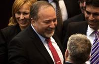 """ليبرمان يؤكد فشل التسوية ويدعو لترحيل الفلسطينيين بـ""""القوة"""""""