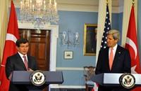 كيري وأوغلو يبحثان الملف الإيراني والسوري