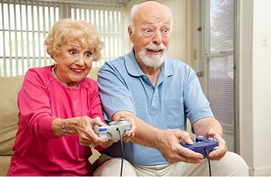 جدة بريطانية تسجل الأكثر ممارسة لألعاب الحاسوب