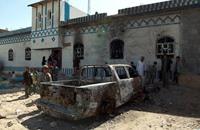 مقتل 30 بانفجار سيارتين مفخختين في رداع اليمنية