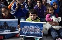 """ترحيل اللاجئين السوريين من لبنان.. هل الأسباب """"طائفية""""؟"""