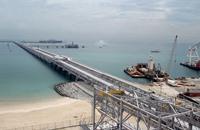 أمير الكويت: إيرادات الدولة انخفضت 60% بسبب هبوط أسعار النفط