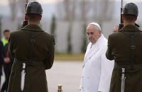 البابا في تركيا للدفاع عن الحوار بين الأديان