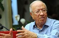 السبسي يتلفظ ببذاءات تهز مشاعر التونسيين (فيديو)