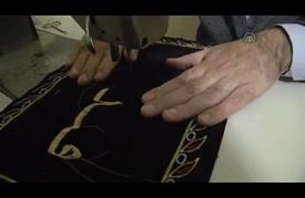 """سوري يخط القرآن الكريم كاملا بـ""""خيوط القصب المذهب"""""""