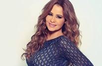 """جدل على """"تويتر"""" بين فنانة لبنانية ومتحدث باسم نتنياهو (شاهد)"""