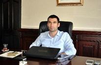 وفاة حاكم ديريك التركية متأثرا بإصابته.. واعتقال العشرات