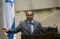 مستوطنون يحرضون على النائب أحمد الطيبي (شاهد)