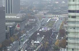 تظاهرة كبيرة للمطالبة باستقالة رئيسة كوريا الجنوبية