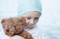 هذا ما فعلته صحفية بشعرها دعما لمرضى السرطان (فيديو)