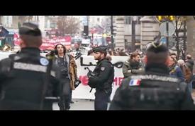 مظاهرة في باريس تطالب بفتح الأبواب أمام اللاجئين