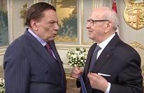 عادل إمام يمازح الرئيس التونسي بتكريم له.. ماذا قال؟ (ِشاهد)