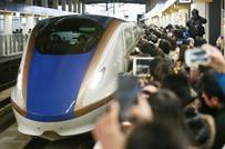 شركة يابانية تعتذر بسبب انطلاق قطارها قبل موعده بثوان