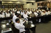 برلمان سريلانكا يستعد لتصويت ثالث بالثقة على رئيس الحكومة