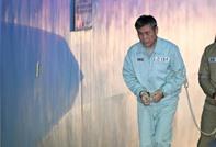 السجن 15 عاما لمرشد روحي اغتصب 8 نساء من أتباعه
