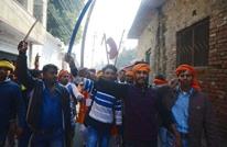 متطرفون هندوس يتظاهرون لبناء معبد مكان مسجد تاريخي (صور)