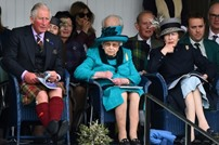 الأمير تشارلز يتعهد بعدم إثارة الجدل عندما يصبح ملكا