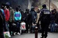 تقرير حقوقي يتهم باريس بالتراجع عن خطة استيعاب اللاجئين