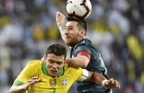 قائد منتخب البرازيل يُهاجم ميسي بعد مواجهتهما في السعودية