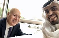 """غرينبلات يلتقي المطبّع """"سعود"""" في الرياض (شاهد)"""