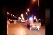 مقطع لشابين سعوديين يمارسان حركات شاذة يثير غضبا (شاهد)