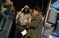 الشرطة الفرنسية تخلي مئات اللاجئين من مخيمين بالعاصمة