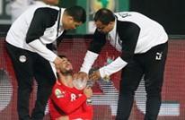 نجم منتخب مصر ينهار باكيا بعد إصابته بخلع في الكتف (شاهد)
