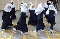 مسلمو بريطانيا سيزيدون عن مسيحييها الملتزمين قريبا