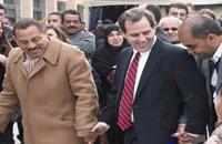 """""""دبكة"""" السفير الأميركي بقرية أردنية تثير الجدل"""