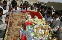 صاروخ يقتل 3 صبية بملعب لكرة القدم في قندهار
