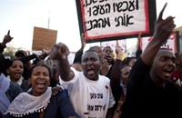 نتنياهو يعتبر المهاجرين الأفارقة أسوأ من اعتداءات سيناء