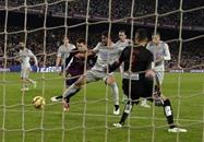 برشلونة الإسباني يتناسى متاعبه بأدائه في الملعب