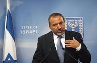 هآرتس: الإسرائيليون يفضلون ليبرمان للتعامل مع الانتفاضة