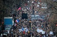 """هولاند يدافع عن """"حرية التعبير"""" بعد تظاهرات غاضبة"""