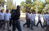 عشرات المستوطنين يقتحمون الأقصى بحماية من الاحتلال