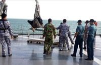 رصد جسمين كبيرين خلال البحث عن حطام الطائرة الماليزية