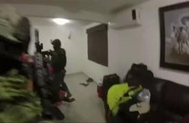 لحظة توقيف تاجر مخدرات بعد اشتباك مع الشرطة المكسيكية