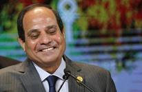 كتاب مصريون: السيسي على خطى مبارك بمشروعات كارثية