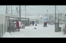 مهاجرو مخيمات مقدونيا والعيش تحت الصفر