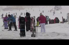 """سماكة الثلوج تبلغ مترين في منحدرات """"أولوداغ"""" التركية"""